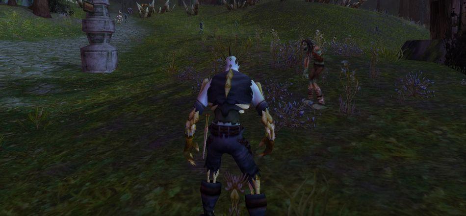 Нежить-разбойник у могильника и зомби. World of Warcraft