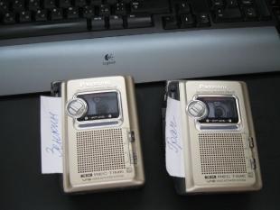Два кассетных диктофона. 2010 года
